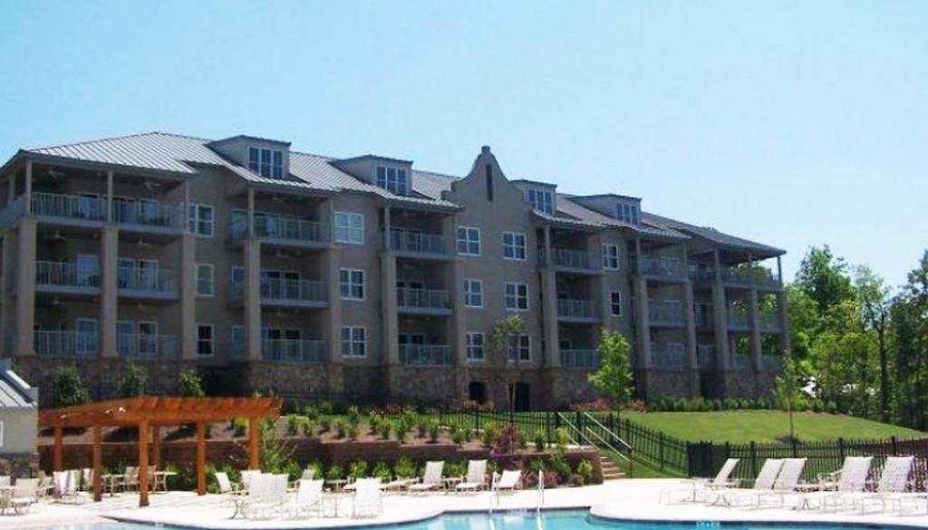 Crowne Pointe Condominiums