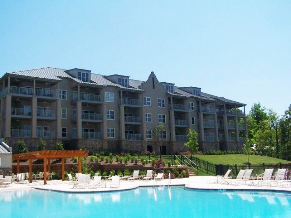 Crowne Pointe Condominiums
